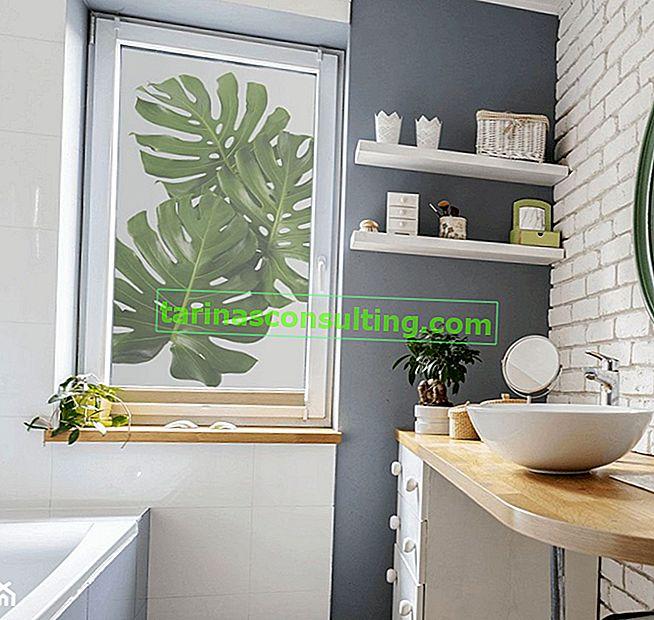 7 vantaggi degli adesivi per finestre del bagno: perché scegliere la pellicola decorativa?