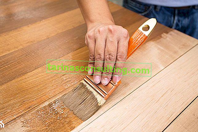 Obarvanje lesa - kdaj in kako uporabiti madež?