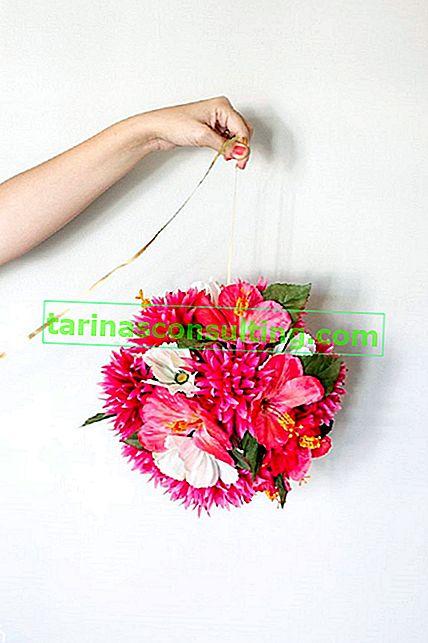 Come realizzare una palla e un ornamento floreale?