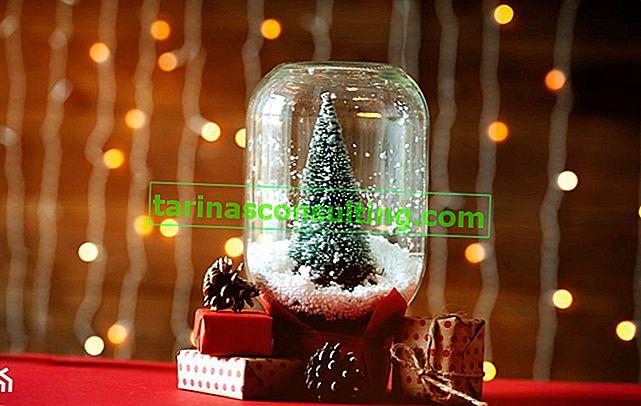 Decorazioni natalizie in vetro: una panoramica di idee e ispirazione