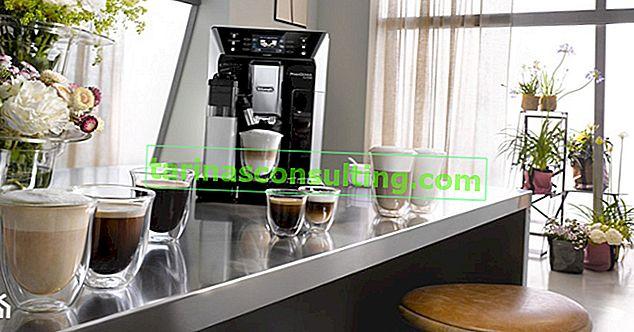 Un coin café dans la cuisine - inspiration de cuisine pour les amateurs de café