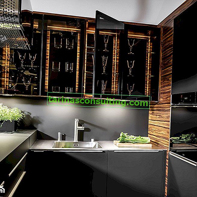 Una cucina elegante dai colori scuri, un modo per creare interni esclusivi