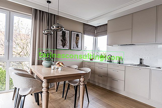 Panely v kuchyni - dozvíte se o výhodách a nevýhodách podlahových panelů v kuchyni