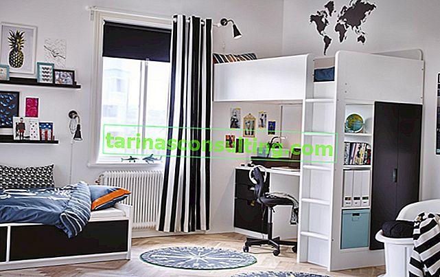 Un endroit élégant pour étudier dans la chambre d'un adolescent