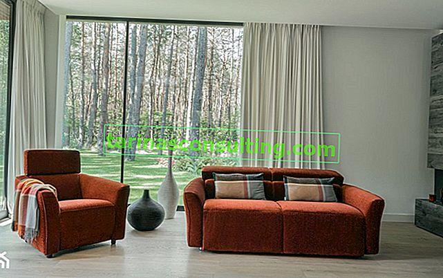 Un divano con funzione letto: come scegliere un mobile che funzionerà in un piccolo soggiorno?