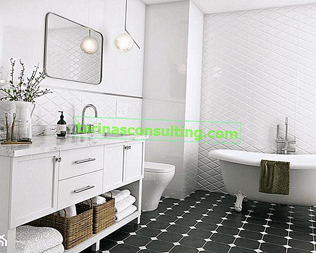 Schwarz-Weiß-Badezimmer in drei Versionen. Wähle einen Stil für dich!
