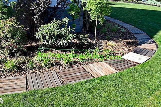 Wie kann man billig einen Weg im Garten machen? Schritt für Schritt Weg von den Plattformen